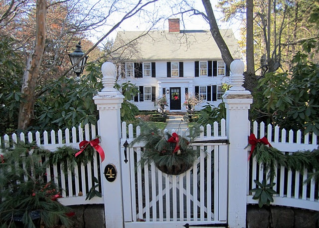 Best outdoor christmas decorations vintage american home for New home christmas decoration
