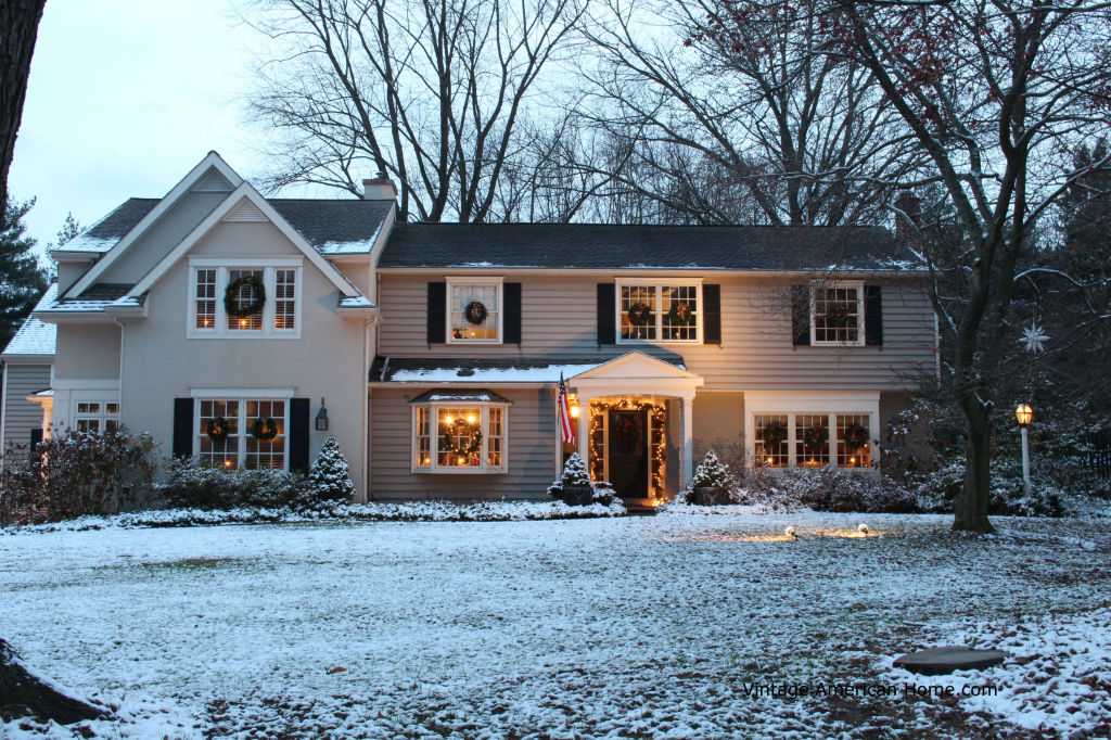 Decorating the Outside of Your House for Christmas ...