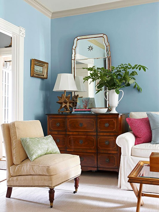 Using traditional furniture in a modern home vintage for Modern antique decor