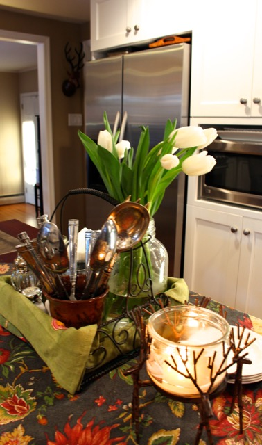 Decorating Ideas from Vintage American Home blog tulips