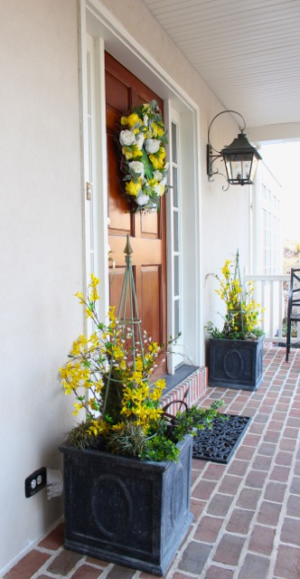 Spring Decorating Front doors at Vintage American Home.com