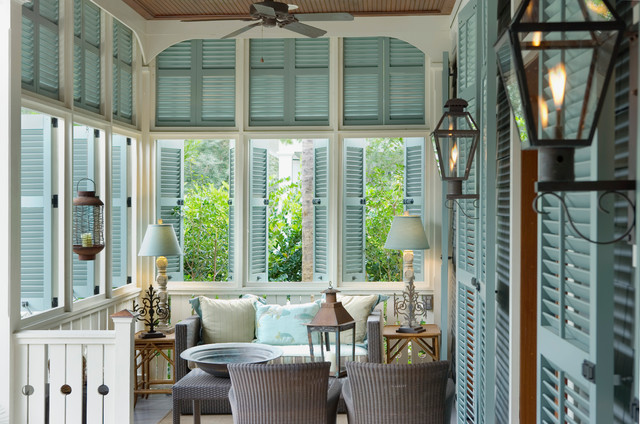 Tour Of The Prettiest Beach Houses On Vintage American Home Blog #Coastal  Decorating ...
