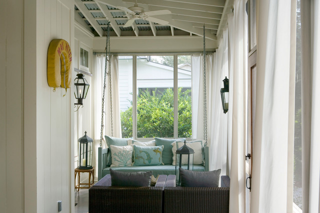 Best Beach Houses around - take a tour at Vintage American Home blog