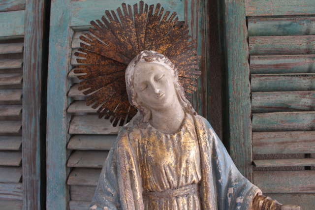 Crowned Mary statue at Vintage American Home.com