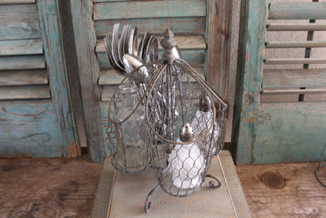 Wire utensil basket at Vintage American Home.com