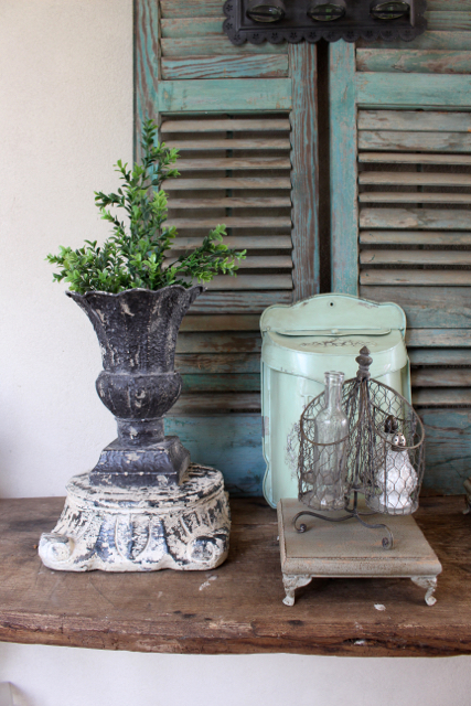 Decorating ideas for the rustic farmhouse look at Vintage American Home.com