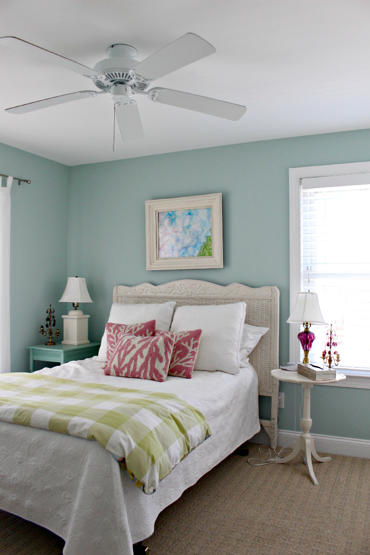 Easy coastal beach decorating ideas vintage american home for Beach house bedroom designs
