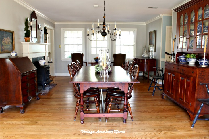 Dining Room Paint With Revere Pewter. Traditional Furniture Crown Molding  With Navajo White Benjamin Moore ...