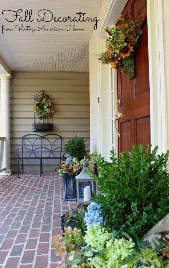 Fall and autumn front door and entryway decorating ideas. Hydrangeas for fall for neutral fall decor from Vintage American Home