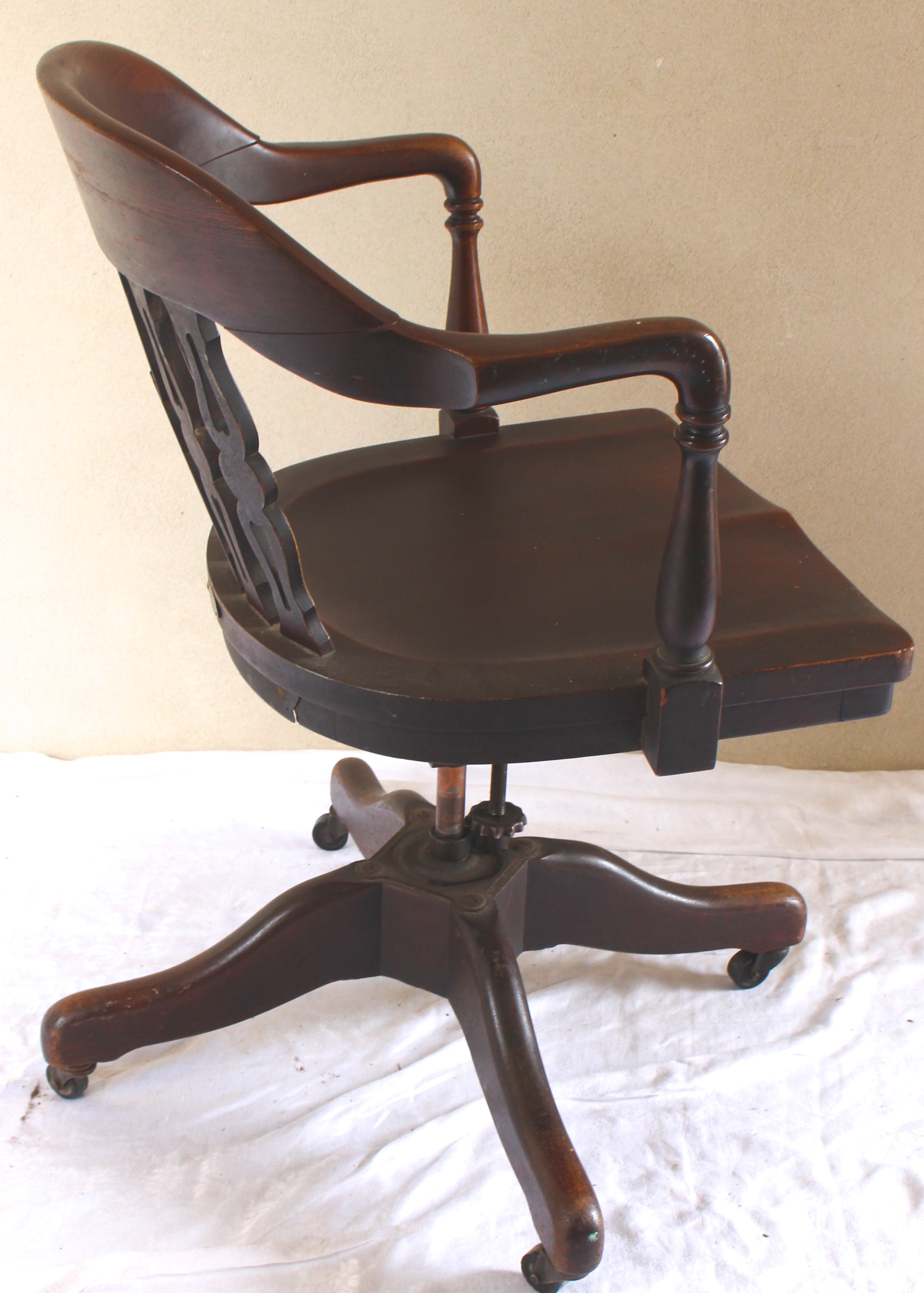 vintage swivel chairs antique rotating swivel desk chair vintage american home 3259